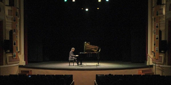"""2n concert del 2n Cicle de Concerts de l'Orfeó Joventut """"Concert de Piano a càrrec de Jordi Pellicer"""""""