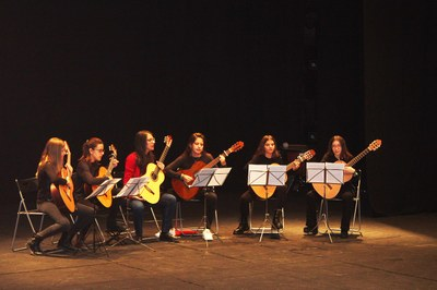 Grup de Guitarres Escola M de Música de Bellpuig.jpg
