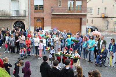 11 de Set. 2019 Bellpuig Acte d'hissada de la Senyera, ofrena floral, lectura manifest i Cant dels Segadors.jpg