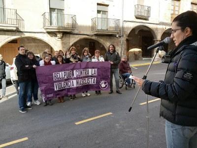 25N a Bellpuig Concentració treballadores i treballadors Ajuntament.jpg