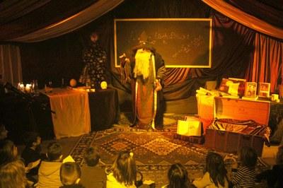 Explicacions del Mag Galderic al Parc de Nadal de Bellpuig.jpg