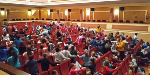 Els nens i nenes de Bellpuig commemoren els 30 anys dels Drets dels Infants