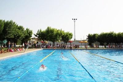 Final del 1r torn dels Cursets de natació de Bellpuig amb una exhibició a les Piscines municipals