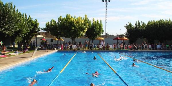 Finalitzen els cursets de natació de Bellpuig amb una exhibició a les Piscines Municipals
