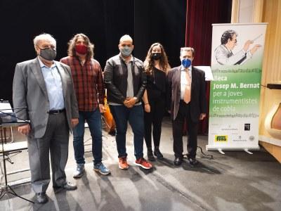 La Contrabaixista Núria Casas guanya la Beca Josep M. Bernat per a Joves Instrumentistes de Cobla