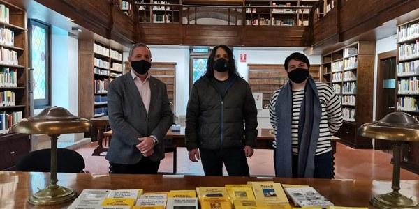L'Ajuntament de Bellpuig lliura a l'IEI la col·lecció de llibres publicats en motiu del Premi Valeri Serra i Boldú de Cultura Popular