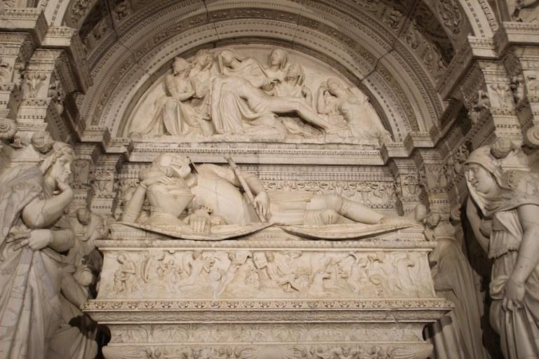 mausoleu petita.jpg