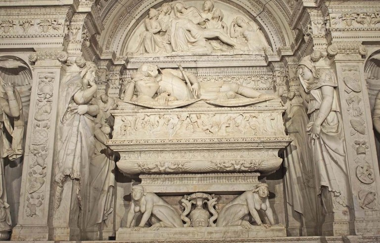 mausoleu miniatura.jpg